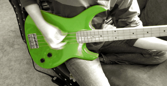 Discover The Best Way To Learn To Play Bass...Online!